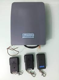 hộp điều khiển Austdoor có công nghệ chống sao chép remote cửa cuốn